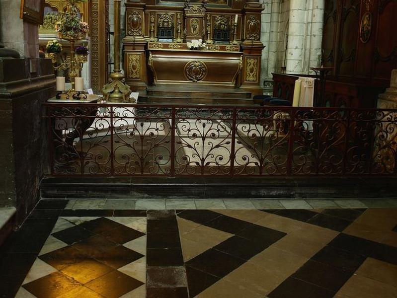 Clôture de la chapelle Saint-Léonard (table de communion)