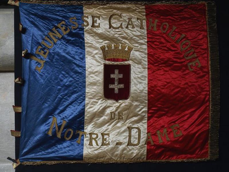 Drapeau de la Jeunesse catholique de Notre-Dame (No 1)