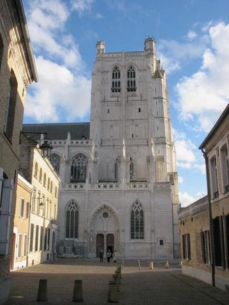 Collégiale, puis cathédrale Notre-Dame, actuellement église paroissiale Notre-Dame