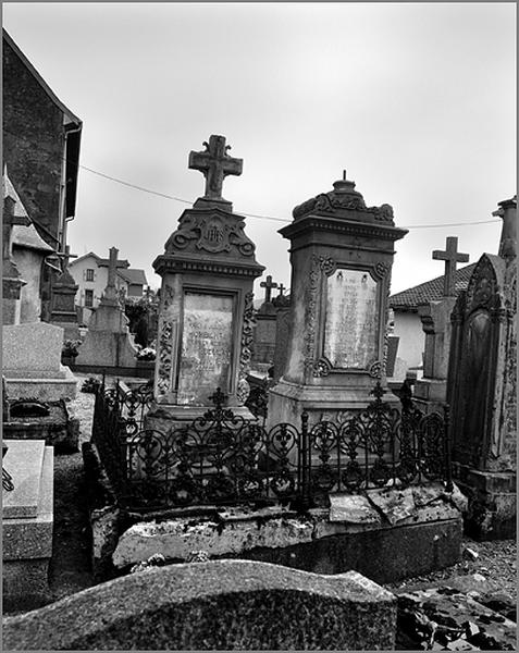 Ensemble de deux tombeaux de la famille Humbert