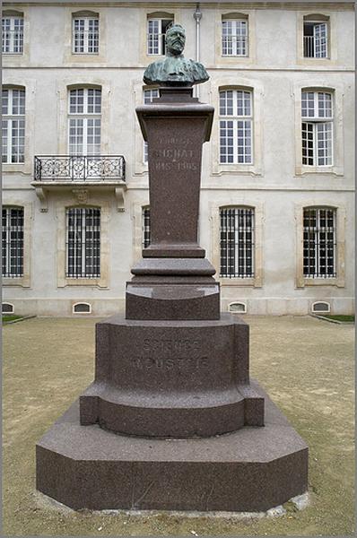 Monument à Ernest Bichat