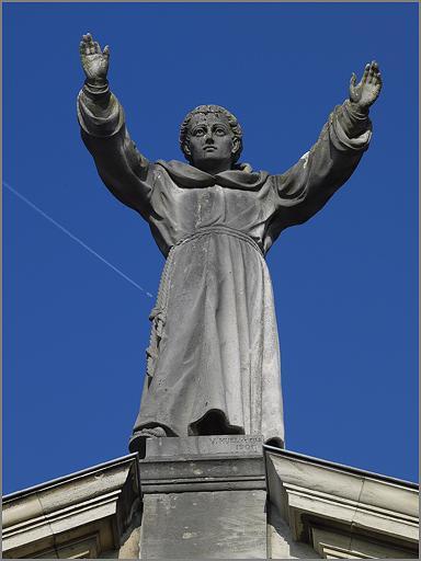 Statue : figure colossale de Saint Antoine de Padoue