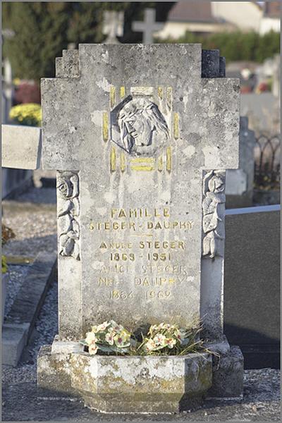 tombeau de la famille Steger-Dauphy