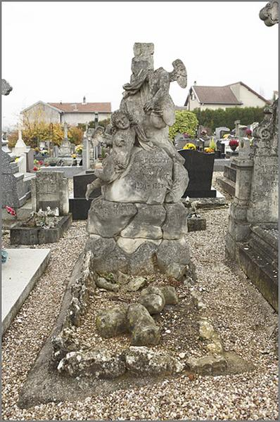 tombeau de la famille Dussurget-Odinet