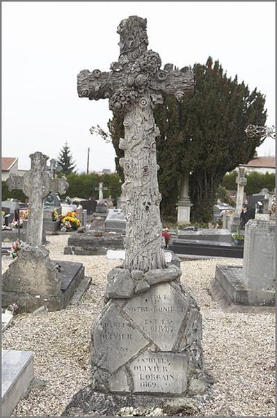 tombeau de la famille Lorrain