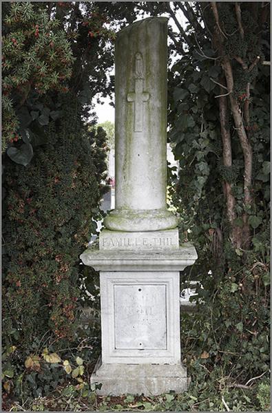tombeau de la famille Thil