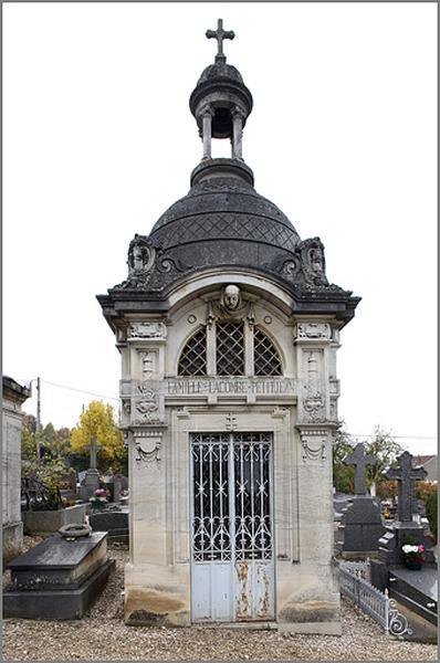 Chapelle funéraire de la famille Lacombe-Petitjean