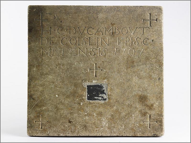 pierre d'autel