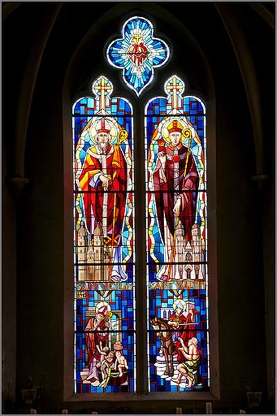 ensemble de 3 verrières figurées : saint Nicolas et saint Martin, saint Matthieu et saint Marc, saint Luc et saint Jean