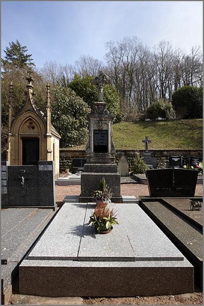 tombeau de la famille Robert-Jungmann