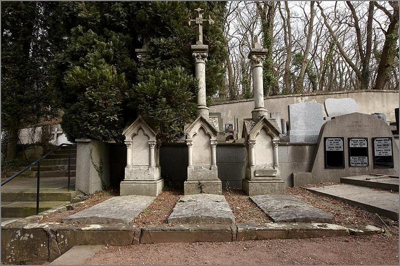Ensemble de 3 tombeaux appartenant à la famille Goulon