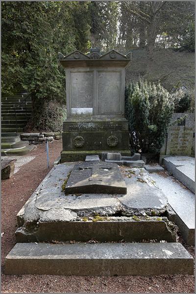 Tombeau de la famille Monsol et Kuntz