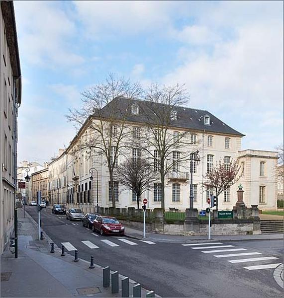 Hôtel de Vitrimont puis de Fontenoy actuellement tribunal administratif d'appel