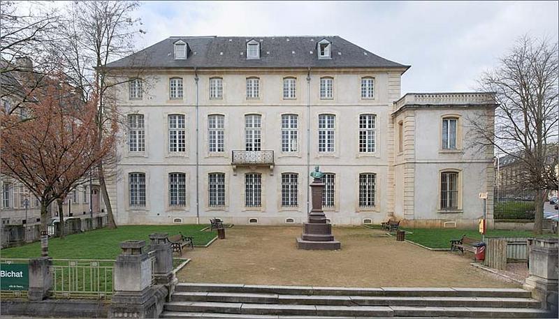 jardin de l'hôtel de Vitrimont puis de Fontenoy actuellement square Bichat