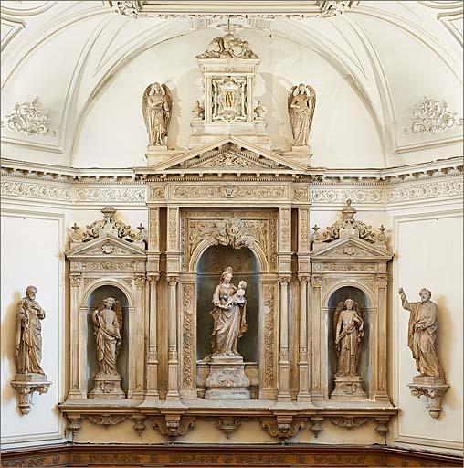 Retable architecturé à niche de style néo-Renaissance avec 5 statues