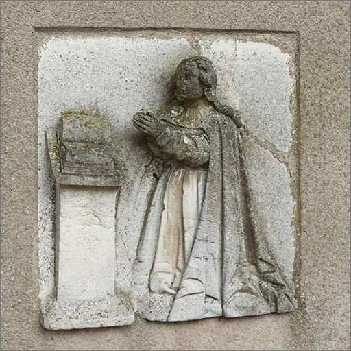 Ensemble de 2 demi-reliefs : l'Annonciation
