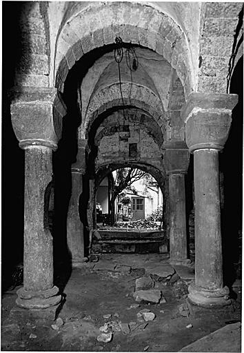 Bâtiment conventuel avec chapelle romane