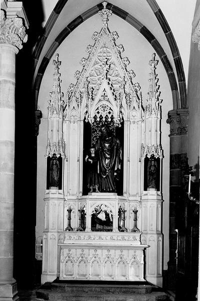 Autel secondaire avec retable, gradin d'autel, 2 statues, groupe sculpté, haut-relief