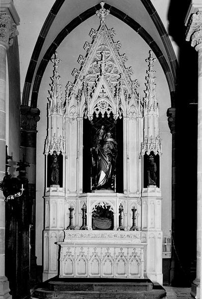 Autel secondaire avec gradin d'autel, retable, 3 statues, haut-relief