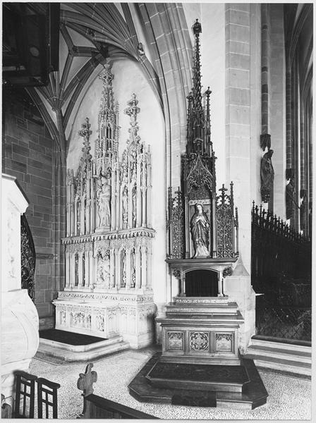Autel secondaire du Sacré-Coeur de Marie avec retable, statue