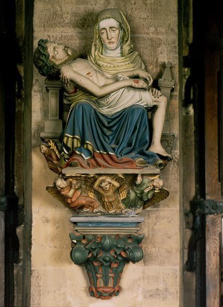 Groupe sculpté d'applique : Vierge de Pitié