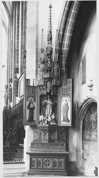 Autel secondaire du Sacré-Coeur de Jésus avec retable et groupe sculpté