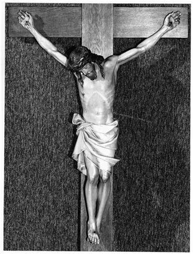 Croix : Christ en croix (3)