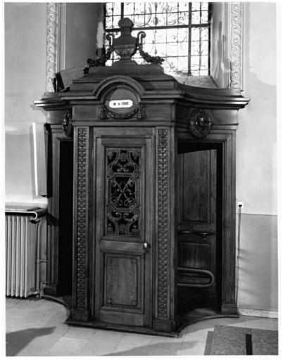 6 confessionnaux