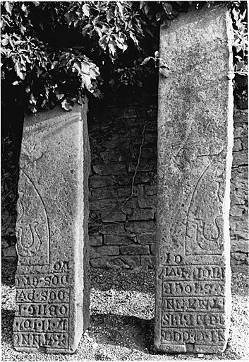 dalle funéraire du prêtre Hartmann
