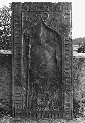 dalle funéraire de l'abbé Burckhard de Mullenheim