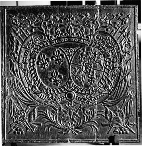 Plaque de poêle : armoiries de Louis XV et de Marie Leczinska