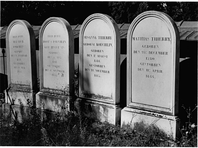 Tombeaux de Heinrich Koechlin, Rosina Koechlin, Suzanna Thierry et Mathias Thierry