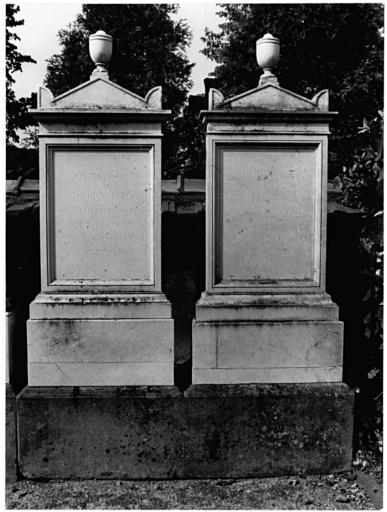 Ensemble de 2 tombeaux de François Joseph et Marie Blech No 23