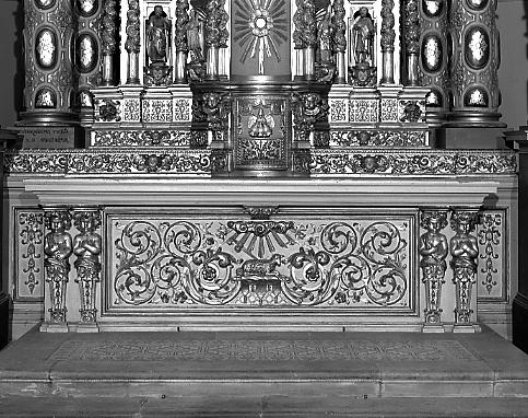 Autel, tabernacle, 14 statues, 4 hauts-reliefs (maître-autel, statuette)