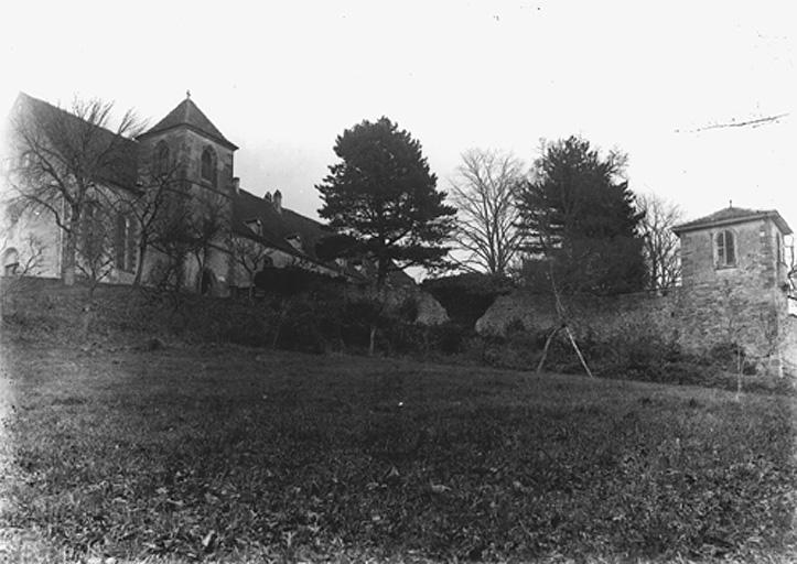 Eglise de pèlerinage Notre-Dame-du-Chêne, couvent de franciscains