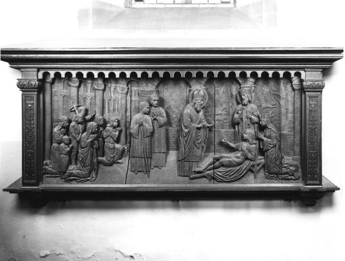 Relief : saint Arbogast ressuscitant le fils du roi Dagobert
