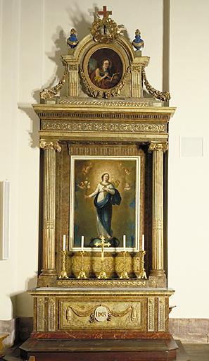 2 autels, 2 retables, 4 tableaux, 4 chandeliers d'autel (autel secondaire) : saint Michel terrassant le dragon, Immaculée Conception, saint Antoine de Padoue, sainte Madeleine