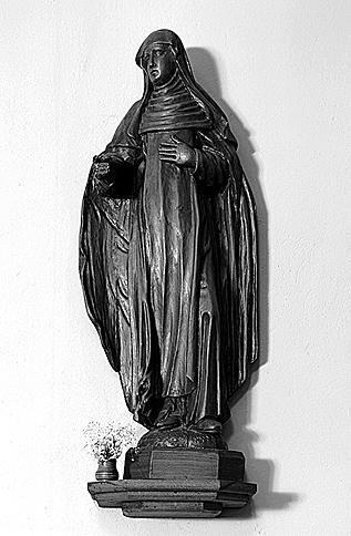 Statue : sainte Odile (?)