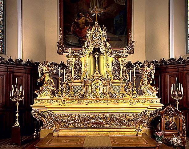 ensemble du maître-autel : autel, tabernacle, expoistion, statues (2)