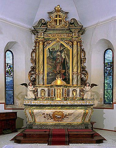 Autel, gradin d'autel, tabernacle, retable, 4 statues (maître-autel)