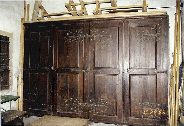 meuble de sacristie et ensemble de pentures No 2