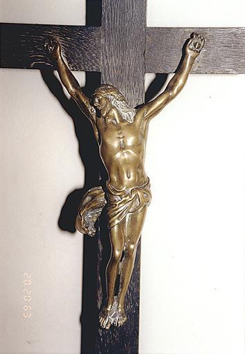 croix d'autel : Christ en croix