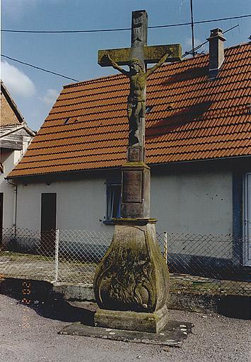 Croix de chemin (C)