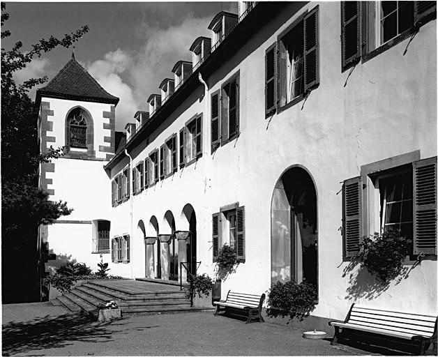 église de pélerinage Notre-Dame-du-Chêne, couvent