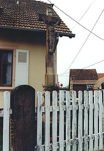 Croix de chemin (E)