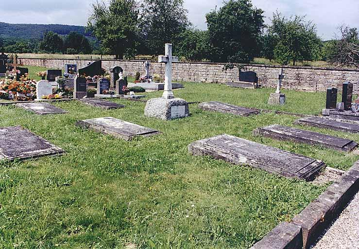 Ensemble de 9 tombeaux de la famille Le Bel