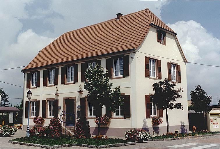 Presbytère, actuellement mairie