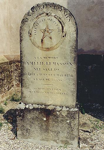 monument commémoratif d'Amélie Le Masson, née Saglio
