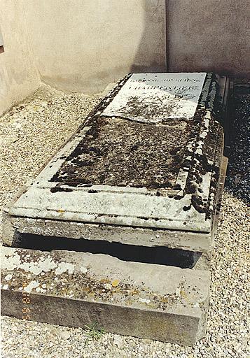 tombeau de la baronne Joséphine Charpentier, née Saglio