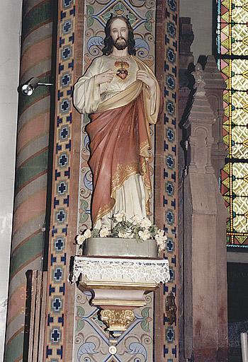 Statue : Sacré Coeur de Jésus.